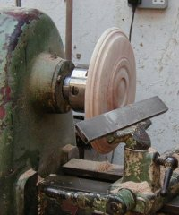 Faceplate turning, using a chuck